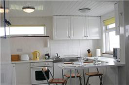 Sandhaven Beach Chalets kitchen