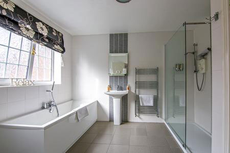 Forest Guest House bathroom